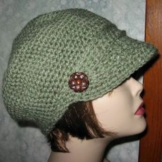 Risultato immagine per Women's Crochet Newsboy Hat Pattern Crochet Newsboy Hat, Crochet Hat With Brim, Crochet Adult Hat, Bonnet Crochet, Crochet Hat For Women, Free Crochet, Knitted Hats, Knit Crochet, Crochet Crafts