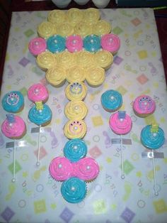 Cupcake Cakes on Pinterest | Pull Apart Cupcakes, Pull Apart Cake ...