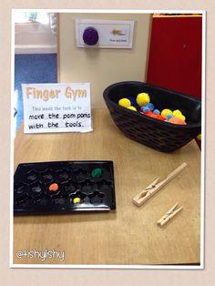 Pom pom transfer Finger Gym