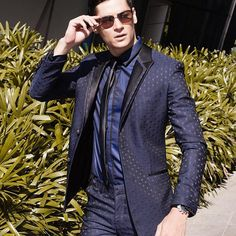 """Keep your face to the sunshine and you cannot see a shadow."""" Helen Keller  #tbt 📷 @kieferpix  Suit @francislibiran #suit #menswear #style"""