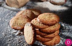 Cookies με αλεύρι ολικής άλεσης | Dina Nikolaou Biscotti, Muffin, Cookies, Breakfast, Desserts, Recipes, Food, Biscuits, Morning Coffee