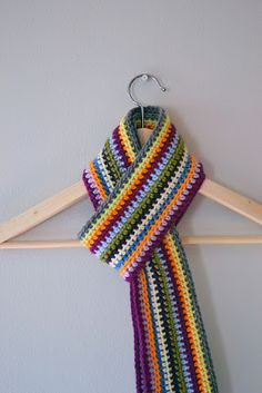 A stripey crochet scarf with no ends to weave! By Crochet in Color ♥