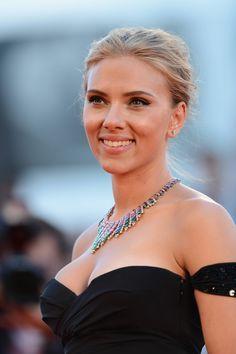 """Girl crush! Scarlett Johansson """"Under the Skin"""" premier"""