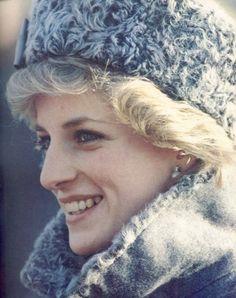"""- Lady Di👸🏼 - """"Call me Diana, not Princess Diana. Princess Diana Fashion, Princess Diana Family, Princes Diana, Royal Princess, Princess Of Wales, Winter Princess, Lady Diana Spencer, Spencer Family, Diana Williams"""