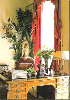 Garden Room at Clarence House. Clarence House, George Vi, Royal Room, Belton House, Victorian Greenhouses, English Decor, Royal Residence, Royal Palace, Royal House