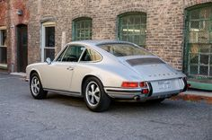 Classics never die, and this gorgeous 1970 Porsche 911S is no different.