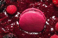 """Rote Früchte Macaron für Christian Lacroix -LADURÉE: """"Macarons"""""""