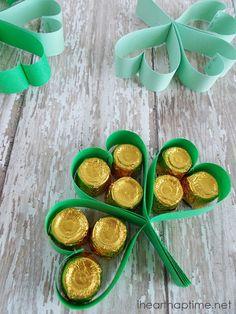 St. Patrick's Clover Treats on iheartnaptime.com ...such a cute and easy idea!