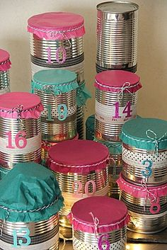 Advent calendar with tin cans and washi tape Felt Advent Calendar, Christmas Countdown Calendar, Advent Calenders, Christmas Holidays, Christmas Crafts, Xmas, Christmas Tables, Nordic Christmas, Modern Christmas