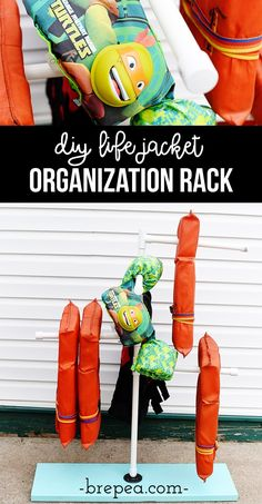 This is such a great life jacket organization idea! This DIY life jacket rack is perfect for drying and organizing! Boat Building Plans, Boat Plans, Pontoon Boat Furniture, Outdoor Crafts, Swim Lessons, Lake Life, Decoration, Summer Fun, Diy Projects