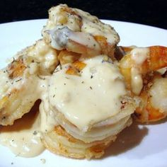 Jumbo Shrimp Grand Mariner ~ Succulent Shrimp Scampi ~ coated in a garlic, butter, and Grand Marnier sauce. Shrimp Dishes, Fish Dishes, Shrimp Recipes, Fish Recipes, Grand Marnier, Coquille Saint Jacques, My Burger, Good Food, Yummy Food