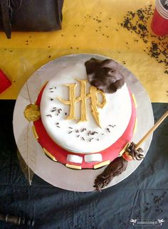 L'anniversaire Harry Potter Gateau Harry Potter, Cumpleaños Harry Potter, Harry Potter Monopoly, Harry Potter Birthday, Pretty Cakes, Cute Cakes, Japanese Cake, Harry Potter Baby Shower, Dessert Decoration
