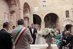 San Gimignano Wedding by Joanne Dunn Photographers | Fly Away Bride