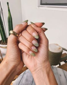 27 Trendy Manicure Nails Ideas for This Winter * remajacantik Stylish Nails, Trendy Nails, Cute Nails, Casual Nails, Nail Manicure, Gel Nails, Kylie Nails, Green Nail Designs, Minimalist Nails