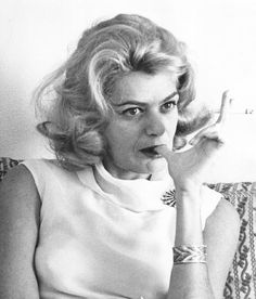 the sultry style of Melina Mercouri holding the ever present cigarette which looks so sexy, but unfortunately is lethal: Die A, Greek Icons, Greek Culture, My Magazine, Shooting Photo, Women Figure, Amy Winehouse, Old Movies, Female Portrait