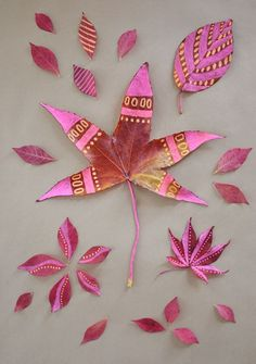 Thanksgiving table decoration - painted leaves
