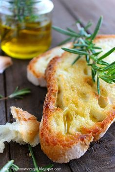 pão, azeite e alecrim