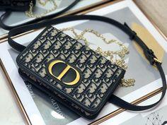 Christian Dior belt bag oblique 30 Montaigne shoulder bag Fendi, Gucci, Ring Necklace, Bracelet, Chanel, Shoulder Bag, Handbags, Dior Bags, Gifts