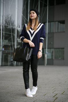 Weekday cricket jumper sweater leather skinny jeans adidas stan smith beanie fashionblogger dutch fashionzen fashion zen streetstyle