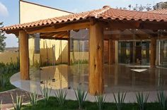 Salón de eventos Garden Bar, Home And Garden, Outdoor Restaurant Design, Gazebo, Pergola, Function Hall, Outside Room, Porch Steps, Back Patio