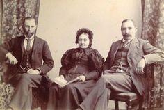 Photo by JC Munro - Brothers Pieter and Stefanus Botha with sister Anne Dyason – Circa 1905 via Carol Hardijzer Old Family Photos, Pretoria, Sisters