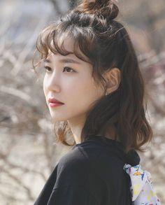 Korean Actresses, Korean Actors, Asian Woman, Asian Girl, Age Of Youth, Girl Artist, Beautiful Actresses, Korean Girl, Beautiful People