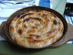 """Šta reći za burek a da nije već rečeno? Neki kažu burek sa sirom ili sa jabukama ili čak i sa zeljem, ali u Bosni """"Burek"""" je jedan jedini ..."""