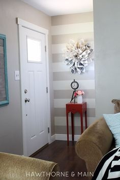 What a difference paint made in this DIY Entry Makeover! Seriously so much better! Don't underestimate paint!!