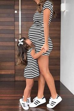 pregnancy outfits casual 328551735318565550 - Source by Mother Daughter Matching Outfits, Mother Daughter Fashion, Mommy And Me Outfits, Mom Daughter, Matching Family Outfits, Kids Outfits, Mom And Baby Dresses, Cute Maternity Outfits, Maternity Fashion