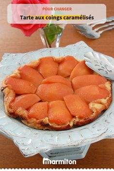 For an original and easy pie recipe, try this tarte tatin with caramelized quince, the fruit of wint Quince Pie, Easy Pie Recipes, Meal Planning, Biscuits, Caramel, Easy Meals, Food And Drink, Menu, Snacks