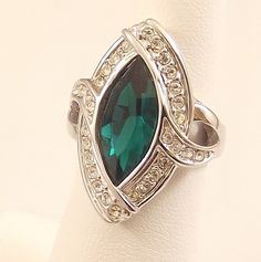 Ladies Austrian Crystal Emerald CZ Silver Finish Ring~Size 5 Free Gift Box
