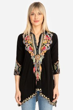 Vibrant and colorful applique meet a chic silhouette in the Moby Gauze Blouse. The perfect counterpart to a great pair of statement earrings, the number of ways to style the blouse are endless. Channel your inner flower child by throwing on a fabulous pai Lou Fashion, Fashion Outfits, Boho, Bohemian Style, Johnny Was Clothing, Fashion Drawing Dresses, Kurti Neck Designs, Patchwork Designs, Casual Outfits