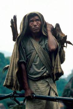 Gurung: Os Caçadores de Mel do Himalaia.
