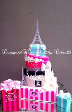 Fashion Cake for a diva! I want this for my 40th birthday!!!!