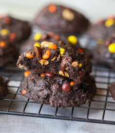Thick and Soft Chocolate Peanut Butter Cookies - Cookies and Cups
