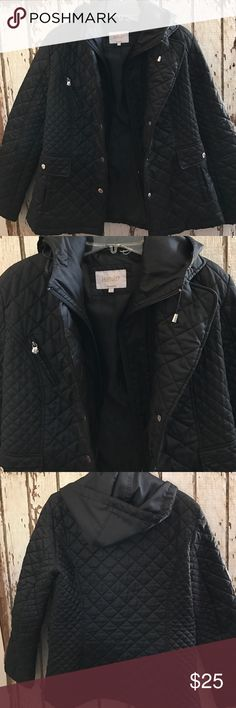 Excellent condition black quilted coat silver hardware zipup pockets. Laundry by Shelli Segal Jackets & Coats