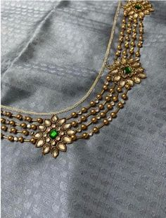Aari Work Blouse, Hand Work Blouse Design, Simple Blouse Designs, Blouse Neck Designs, Simple Designs, Indian Blouse Designs, Hand Designs, Indian Embroidery Designs, Hand Embroidery Design Patterns