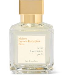 The brand's signature unisex scent, Maison Francis Kurkdjian's 'Aqua Universalis Forte' Eau de Parfum has a long-lasting aroma that opens with a refreshing hint of Sicilian Lemon and Calabrian Bergamot. The floral core of White Lily, Egyptian Jasmine and Moroccan Rose is grounded with a masculine base of Wood and Musk that lingers long after it's left the bottle.
