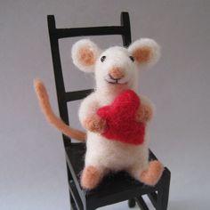 Valentine Mouse, needle felted animal