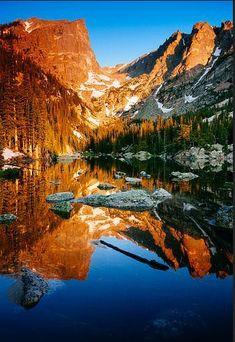Dream Lake, Rocky Mountain National Park, Estes Park, Colorado - photo by Ryan C Wright. Wyoming, Estes Park, Rocky Mountains, Places To Travel, Places To See, Photos Voyages, Rocky Mountain National Park, Parcs, Belle Photo