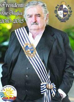 """REFLEXIONES Y CONFESIONES DEL PRESIDENTE -  Mujica confesó   que no tiene """"pasta para presidente"""". """"Yo sé que mi manera de ser rompe el esquema que tiene la gente de lo que es ser un presidente"""",  reconoció   que ha sido más distinguido en el ámbito internacional que en su propio país, en donde suele ser criticado incluso por dirigentes de su propio sector."""