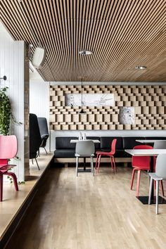 Block by Dylan - lunch & brunch restaurant located in the center of Helsinki - Dining inspiration Bar Interior Design, Restaurant Interior Design, Commercial Interior Design, Cafe Design, Commercial Interiors, Interior Decorating, Villa Design, Design Hotel, Wood Interiors