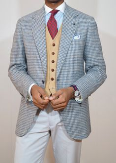 http://chicerman.com kleidsam: acutestyle: 12.13.13 Summer Rig Houndstooth paisley neat and bengal stripe. This is really great but I think another tie might have been a better choicethe red clashes with the odd vest too much imho. #MENSUIT #TAILORSUIT