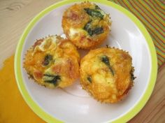 Egg Muffins, perfect protein meal with egg, cheese, spinach and bacon ...
