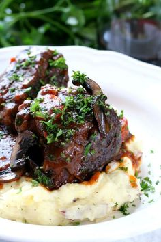 I made these for a Valentines couples dinner and they are really good! dinner for two Red Wine Braised Short Ribs Pork Recipes, Cooking Recipes, Healthy Recipes, Recipies, Fancy Recipes, Cooking Corn, Short Rib Recipes Crockpot, Garlic Chicken Recipes, Cooking Stove
