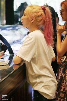 Aw look how close she is to the counter! Love her hair btw