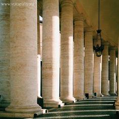 Colonnato del Bernini a Piazza San Pietro