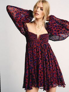Free People's cute dresses fit every occasion! Shop online for summer dresses, sundresses, casual dresses, white boho maxi dresses & more. Fashion 90s, Boho Fashion, Fashion Dresses, Womens Fashion, Fashion Trends, Oscar Fashion, Rockabilly Fashion, Lolita Fashion, Korean Fashion