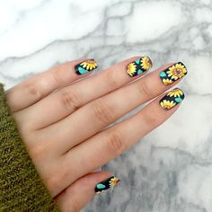 Pin by kaitlyn wax on fashion nails, sunflower nails, sunflo Diy Nails, Cute Nails, Sunflower Nail Art, Gel Nagel Design, Floral Nail Art, New Nail Art, Nagel Gel, Cute Nail Designs, Flower Nail Designs