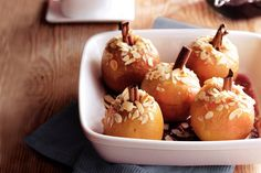 Kijk wat een lekker recept ik heb gevonden op Allerhande! Gevulde appeltjes uit de oven